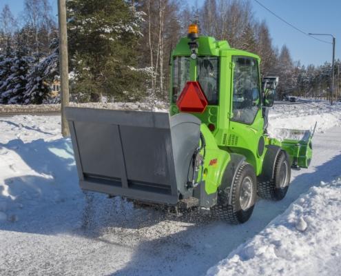 plattenstreuer-avant-winterdienst