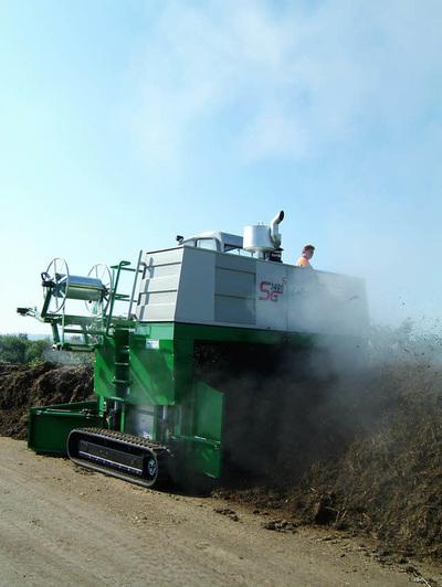 Gujer Kompostwendemaschine selbstfahrend