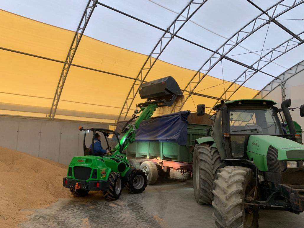Getreide laden Hoflader